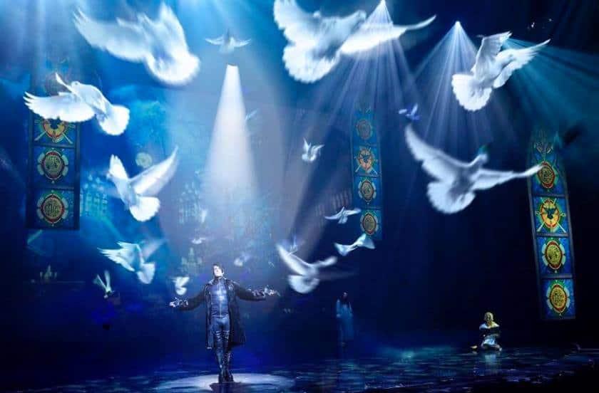 Criss Angel Mindfreak Cirque du soleil las vegas